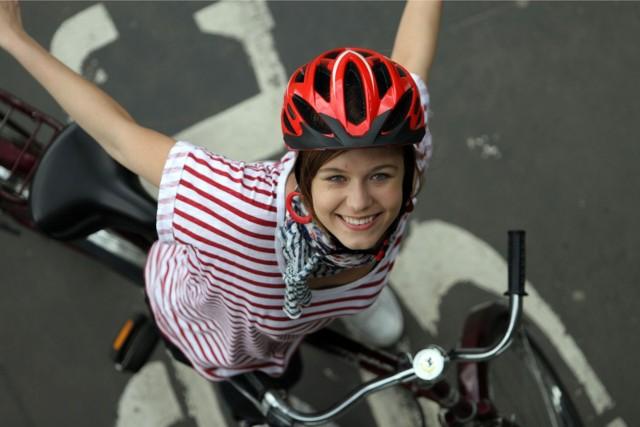 Czy jazda na rowerze w kasku powinna być obowiązkowa?