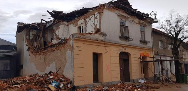 Zniszczenia po trzęsieniu ziemi w Chorwacji. Z Olesna do Sisaku trafiły już cztery transporty darów.