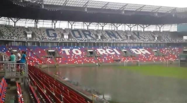 Zalany stadion Górnika Zabrze