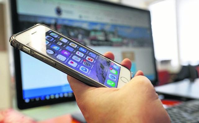 Poprzedni prezydenci Przemyśla za grosze wykupili drogie służbowe telefony.