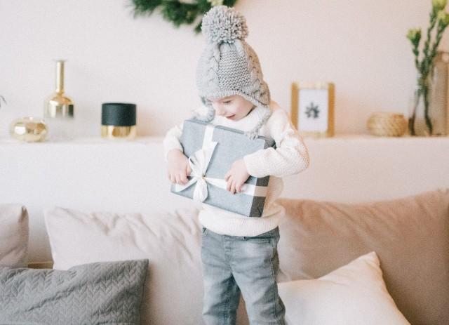 Prezent dla dziecka, powinien być dopasowany do jego wieku i zainteresowań.