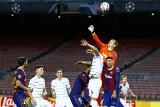 Barcelona wymęczyła zwycięstwo z Dynamem Kijów, ale grozi jej bankructwo. Czy piłkarze uratują klub?