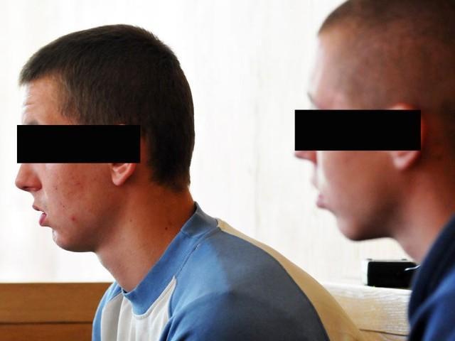 Paweł K. i Jakub L. nie przyznają się do popełnienia przestępstwa. Odpowiadają z wolnej stopy.