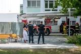 """Komisja bada powody zawalenia dachu hali sportowej. Dyrekcja: """"To traumatyczne przeżycie"""". Problemy były już wcześniej?"""