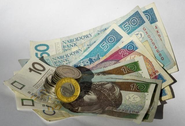 Rząd szacuje, że około 20 proc. posiadający oszczędności w OFE przekaże pieniądze do ZUS
