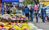 Handlujący przy bydgoskich cmentarzach: - Ustawienie stoisk tymczasowych na 1 listopada i tak było drogie, a może być jeszcze drożej