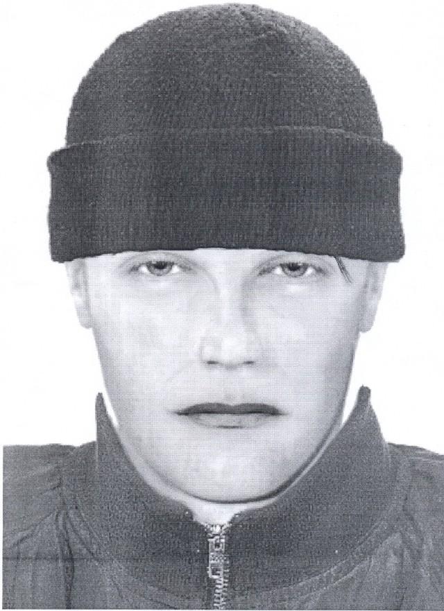 Policja sporządziła portret pamięciowy jednego ze sprawców. Poszukiwany to ok. 20-letni mężczyzna, szczupły brunet, wzrostu ok. 175 cm. Ubrany był w grubą wełnianą czapkę i czarną kurtkę. Osoby, które rozpoznają mężczyznę na portrecie policja prosi o kontakt pod bezpłatnym telefonem zaufania 0 800 156 032 lub 997.