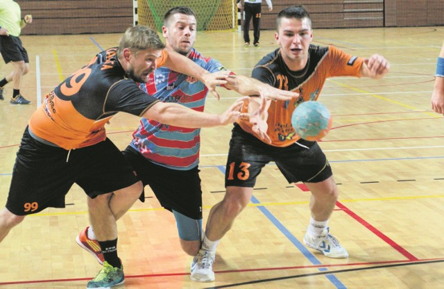 Ambitna gra KSZO przeciwko Ostrovii przyniosła efekt w postaci dwóch punktów. Z lewej Michał Kalita, obok Bartosz Sękowski. A jak bedzie w Piotrkowie Trybunalskim?