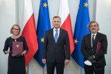 Profesorowie z Politechniki Białostockiej - Joanna Ejdys i Jarosław Perszko odebrali z rąk Prezydenta RP Andrzeja Dudy akty nominacyjne