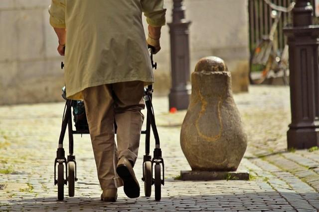 Projekt skierowany jest do osób starszych, niesamodzielnych i zagrożonych ubóstwem