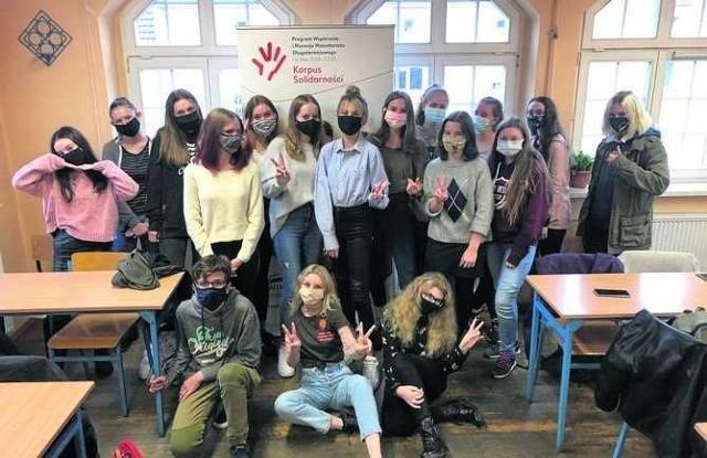 Uczennice i uczniowie LO nr V pokazali, że pandemia wcale nie musi przeszkadzać w prowadzeniu wolontariatu.