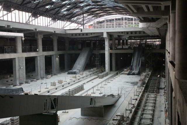 Budowa podziemnego dworca Łódź Fabryczna jest częścią tunelowego połączenia z Łodzią Kaliską