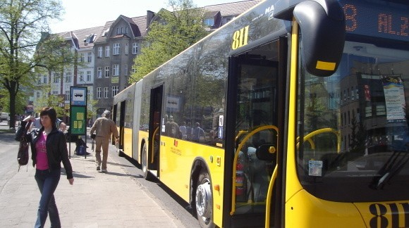 Nowe MAN-y jeżdżą na trasie linii nr 8, z alei Żołnierza, przez centrum do ulicy Tańskiego na osiedlu Kluczewo-Lotnisko.
