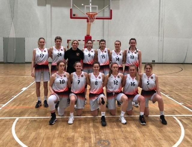 Drużynę koszykarek Widzewa U17 prowadzi trener Anna Chodera