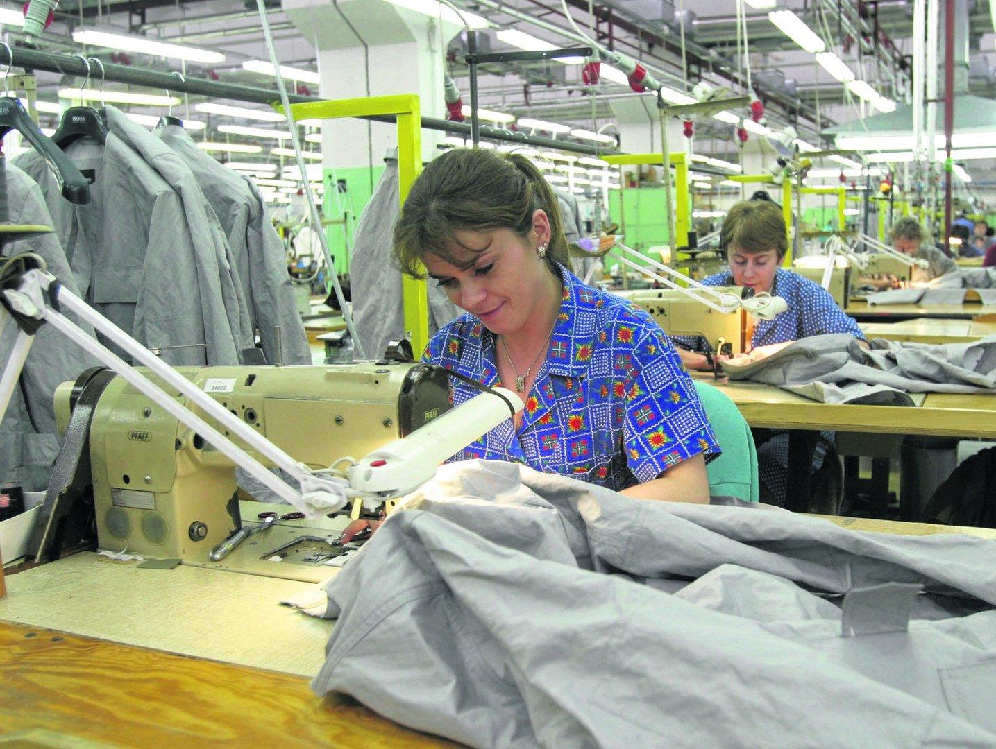 2c8a5b957a589 Tak wyglądała praca w zakładach Próchnika przed przeniesieniem produkcji do  Chin. W zakładzie nie zostały