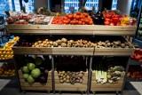 Polacy gotują w domu. Niemal 40 procent z nas robi to codziennie. Z użyciem owoców i warzyw