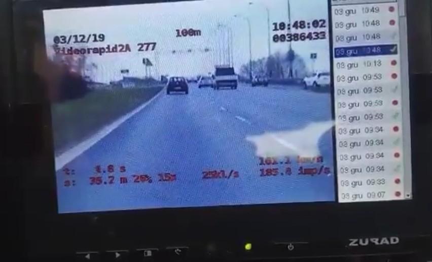 Kierowca, który we wtorek rano pędził po ul. Krzywoustego,...