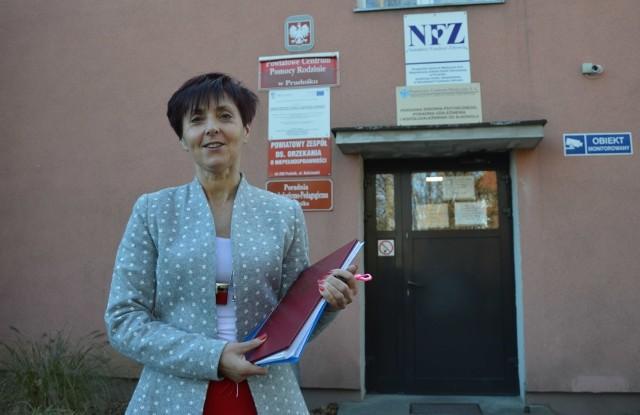 Zarząd powiatu zwolnił Krystynę Wilisowską, bo - jak twierdził - stracił do niej zaufanie. Przytoczył też szereg przesłanek, które miały na to wpłynąć. Sąd uznał, że zwolnienie było wyłącznie reakcją na to, że ówczesna kierowniczka nie zgodziła się przyjąć stanowiska zastępcy.