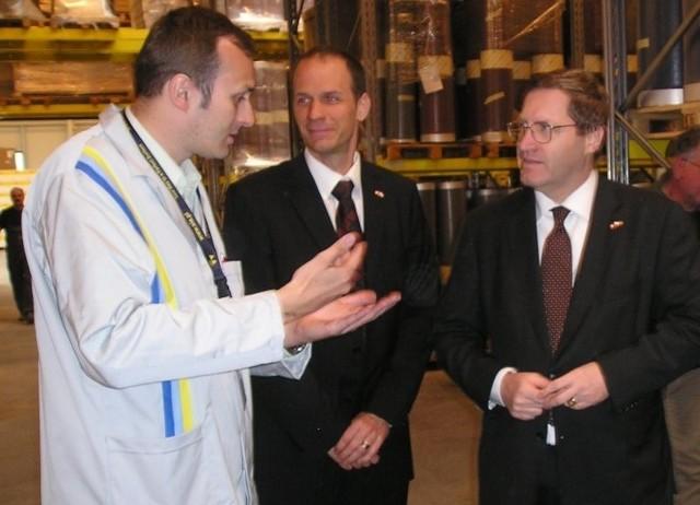 Bénédict de Cerjat – pierwszy z prawej, był pod wrażeniem zakładu SIA oraz Goleniowskiego Parku Przemysłowego. Przyznał, że to dobre miejsce na siedziby szwajcarskich firm.