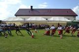 Świetna zabawa w Olszownicy w gminie Baćkowice. Były wyścigi z taczkami i przeciąganie liny (ZDJĘCIA)