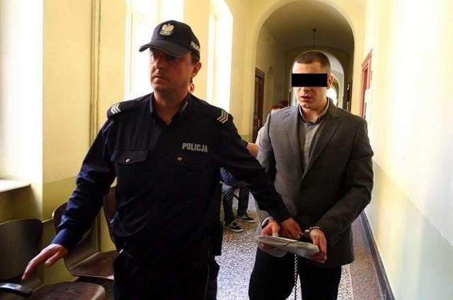 Zdaniem prokuratury nie ma mowy o obronie koniecznej. Obaj młodzi mężczyźni byli pod wpływem narkotyków i alkoholu.
