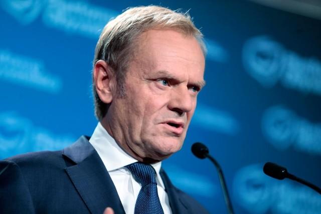 - Tak, wróciłem. Wiem, że trochę długo czekaliście- przyznał Donald Tusk podczas konferencji prasowej.