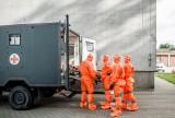 Koronawirus: Wielkopolscy żołnierze WOT ewakuowali pensjonariuszy z Chumiętek i Rogowa