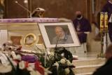 Pogrzeb Zygmunta Hanusika. Wielki kolarz oraz miłośnik Śląska i gołębi spoczął na cmentarzu w Tychach
