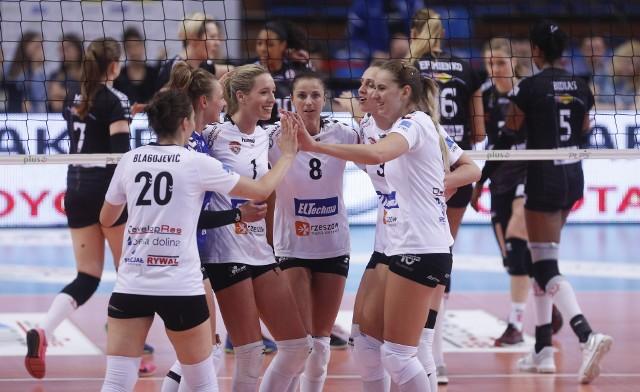Developres SkyRes Rzeszów wygrywa pierwszy półfinałowy mecz Ligi Siatkówki Kobiet z ŁKS-em Łódź 3:2. POPULARNE NA NOWINY24/SPORT: