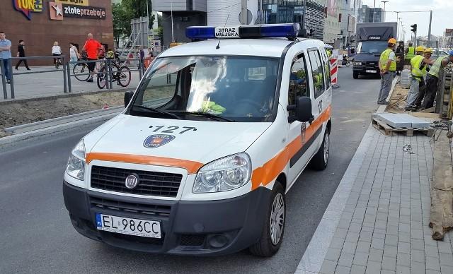 Wypadek radiowozu straży miejskiej na al. Piłsudskiego. Strażniczki w szpitalu