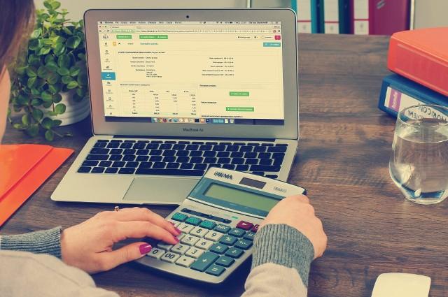 – Dziwi fakt, że projekt zmian wprowadzający opodatkowanie spółek komandytowych pojawił się tak nagle - uważa ekspert. - (...)