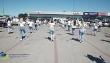 Happening ZSZ w Wysokiem Mazowieckiem. Uczniowie tańczyli na parkingu. Film szybko stał się hitem! (ZDJĘCIA, WIDEO)