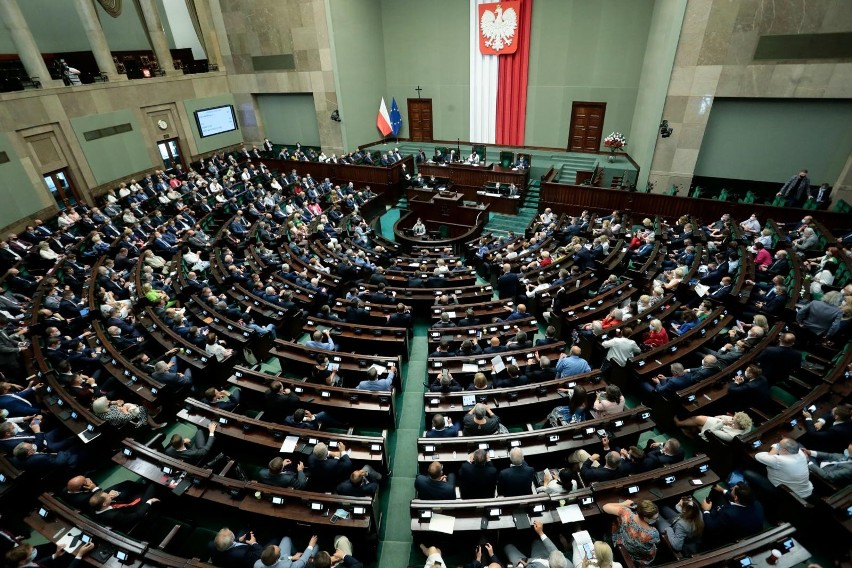 W środę rozpoczyna się posiedzenie Sejmu. Posłowie zajmą się...
