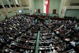 Rozpoczyna się posiedzenie Sejmu. Posłowie zajmą się m.in. wotum nieufności wobec ministra Przemysława Czarnka