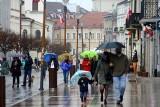Lublin: Majówka w deszczu i pod parasolem. Za to z lodem w ręku! Zobacz zdjęcia ze spaceru po centrum miasta