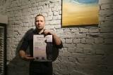 Światowy Dzień Poezji w restauracji Kwestia Czasu. Darmowa kawa za wiersz. Nietypowa promocja w restauracji (wideo)