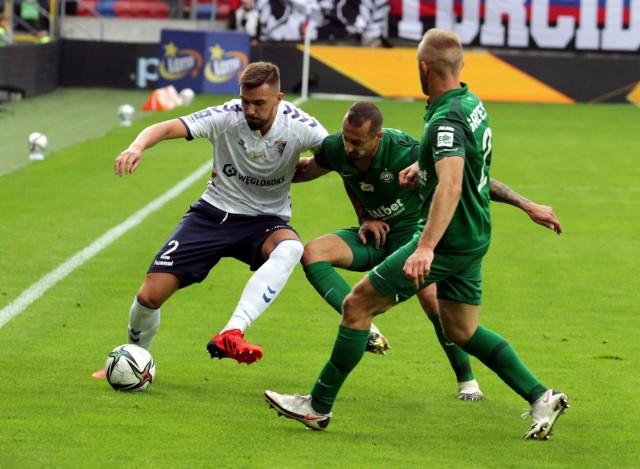 Warta Poznań w pięciu ostatnich kolejkach zanotowała dwa remisy i trzy porażki. Efekt? Miejsce w strefie spadkowej