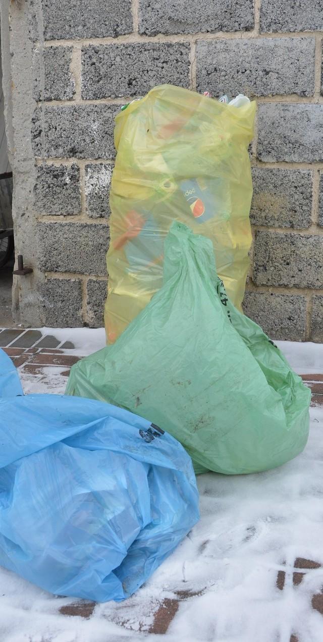 Posegregowane odpady powinny trafiać do trzech rodzajów worków