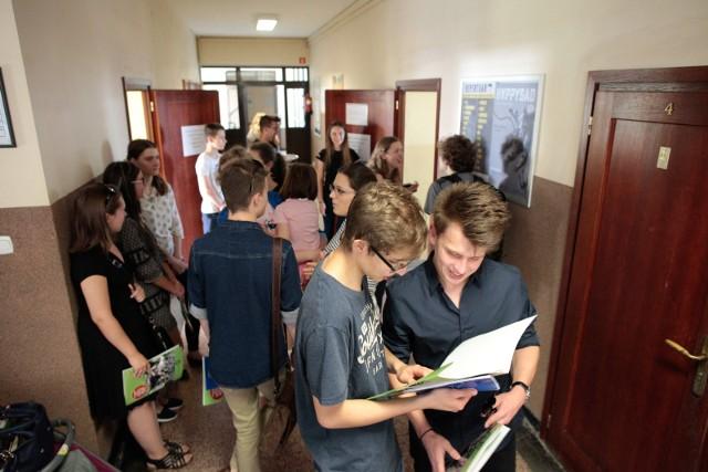 W powiecie aleksandrowskim do matury przystąpili uczniowie czterech placówek: trzech w Aleksandrowie Kujawskim i jednej w Ciechocinku.