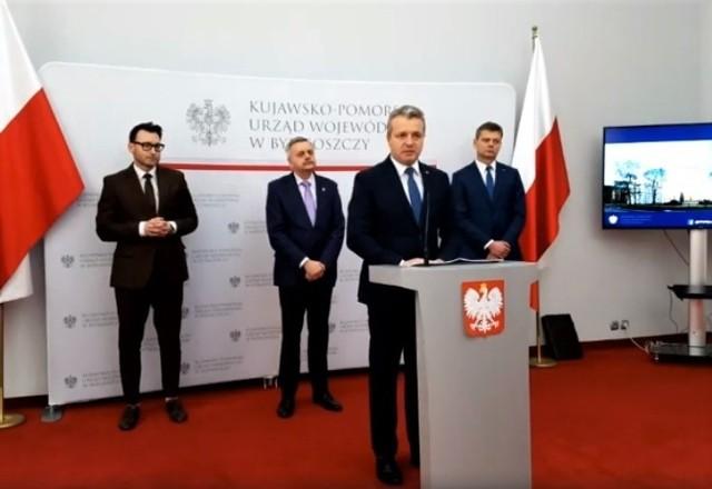 Konferencja w Kujawsko-Pomorskim Urzędzie Wojewódzkim miała na celu podsumowanie dotychczasowych działań w związku z koronawirusem.