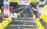 Tour de Pologne: horror na finiszu w Katowicach. Dramatyczny wypadek pod Spodkiem WIDEO