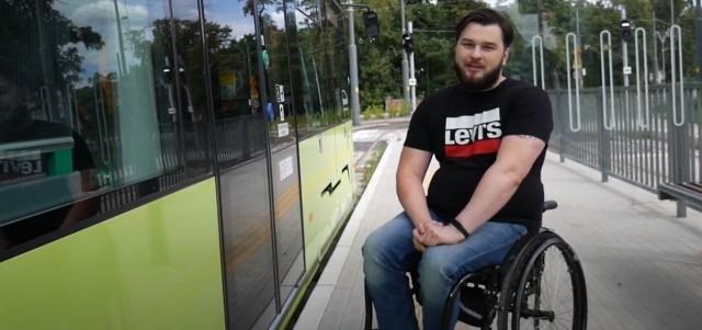 Michał Kopiec od sześciu lat jest na wózku inwalidzkim. Jest paraolimpijczykiem, trenuje rzut młotem