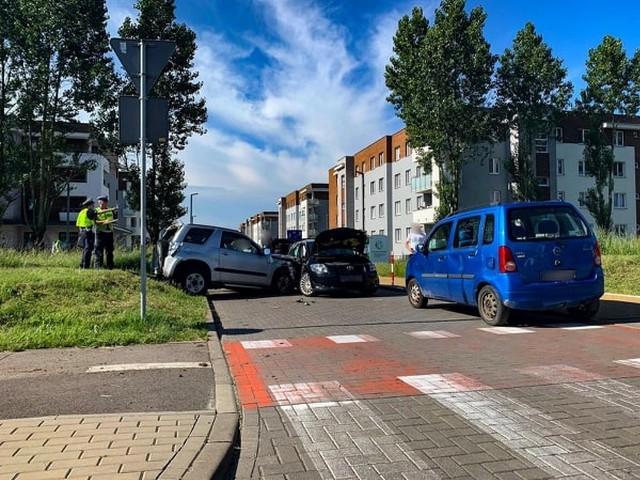 Karambol 6 aut na ulicy 42 Pułku Piechoty w Białymstoku