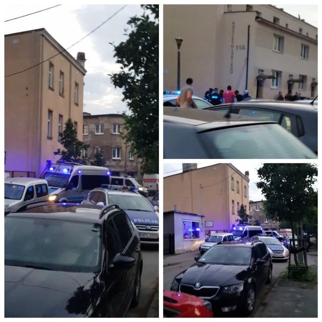 Zdjęcia z miejsca zatrzymania 43-letniego kierowcy i jego 44-letniego pasażera przekazał nam jeden z mieszkańców Bydgoszczy.