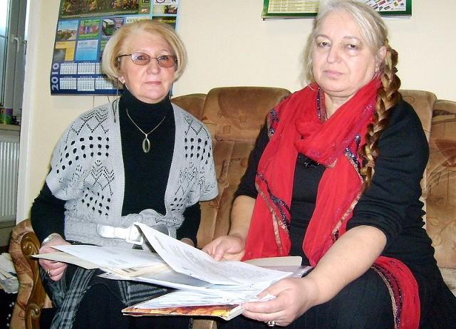 - Tyle lat już spłacamy kredyt na mieszkanie, a odsetki wciąż rosły i rosły - martwią się Zofia Mańka (z lewej) i Teresa Nowaczyk