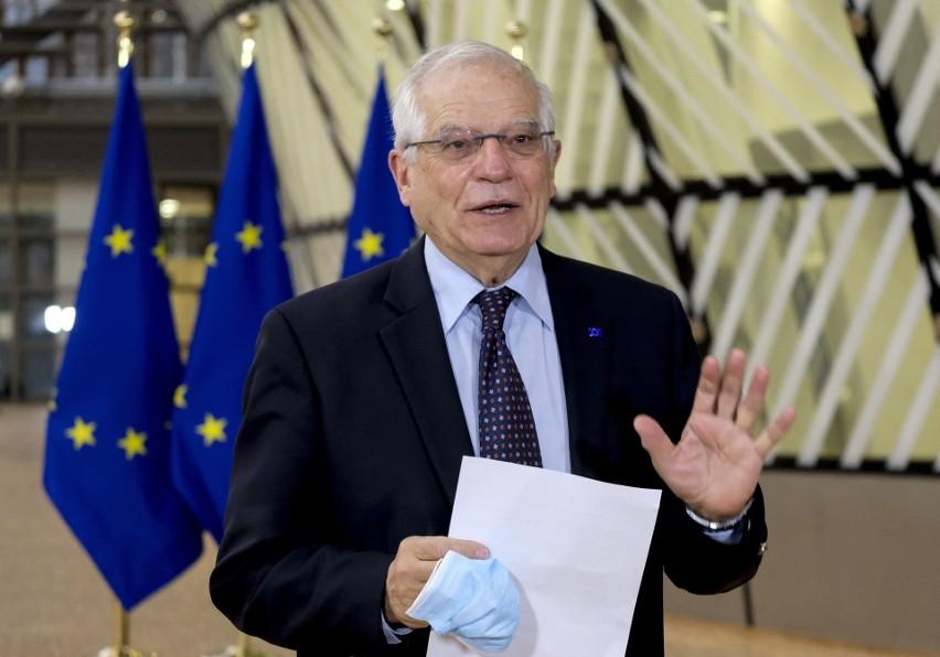 UE nakłada sankcje na osoby w Rosji odpowiedzialne za osoby...