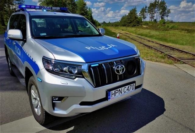 Policjanci z Miastka otrzymali zgłoszenie, że kilkukrotnie na szynach kolejowych w gminie Miastko ktoś układał kamienie.