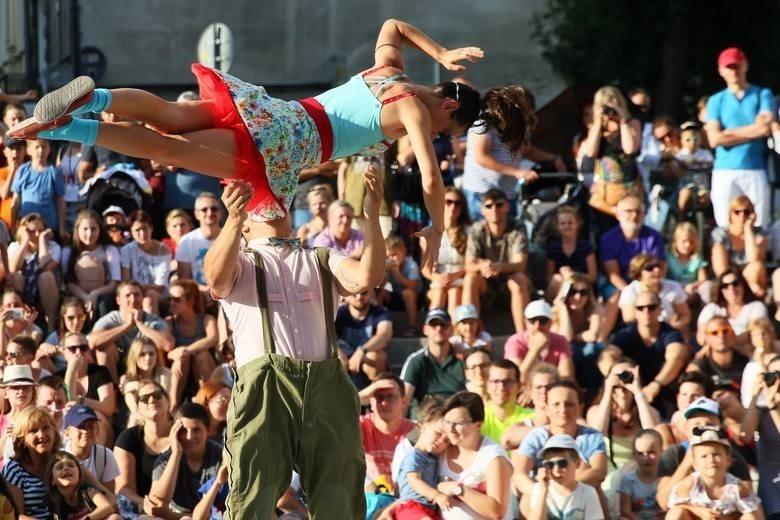 Carnaval Sztukmistrzów co roku przyciąga tłumy
