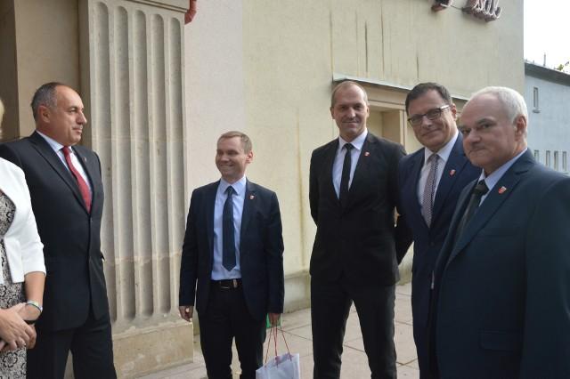 Delegacja z Nysy z burmistrzem Kordianem Kolbiarzem i wiceburmistrzem Jesenika Petrem Prochazką.