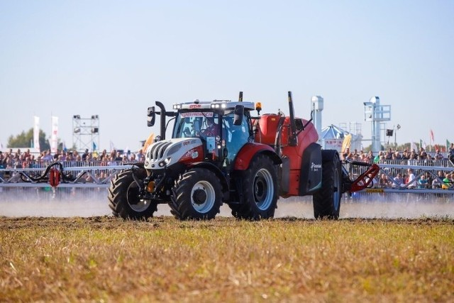 24 września w Bednarach odbędzie się Agro Show 2021, największe w Polsce targi rolnicze. Zobaczcie zdjęcia z poprzednich edycji --->